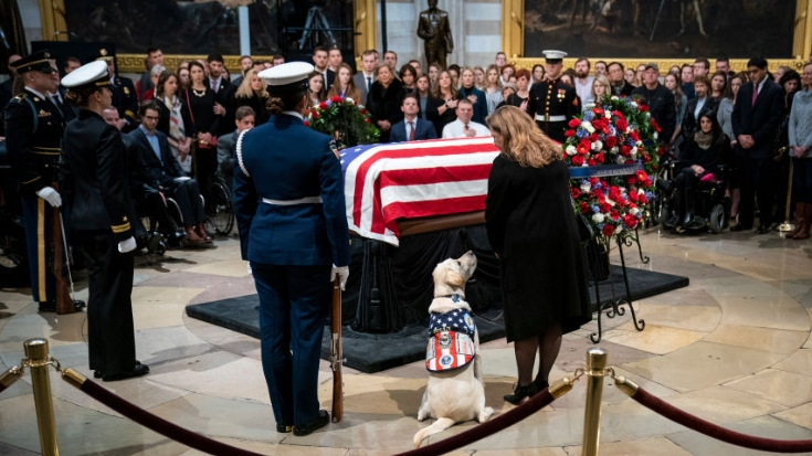 President Bush's Funeral Received One Last Emotional Tribute | World War Wings Videos