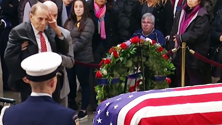 Bob Dole Rises From Wheelchair And Salutes Late George H.W. Bush To Pay His Respects | World War Wings Videos