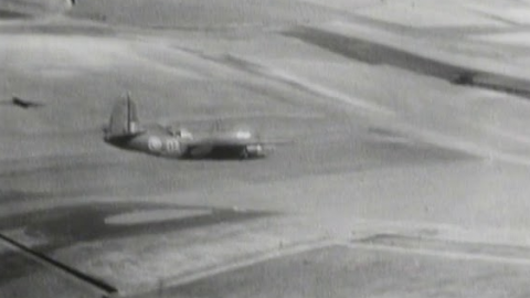 Dramatic Low-Level Flying Bomber Footage (1943) | World War Wings Videos
